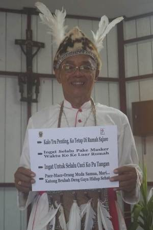 Foto Asli Bapa Uskup Mgr.Aloysius Murwito (Uskup K.Agats)