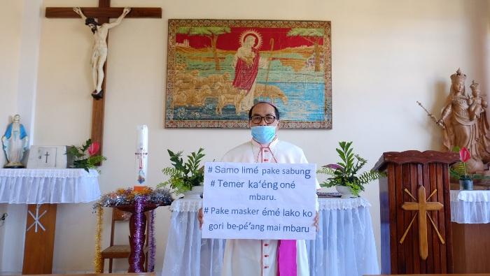 Foto Asli Mgr.Siprianus Hormat (Uskup K.Ruteng)-1
