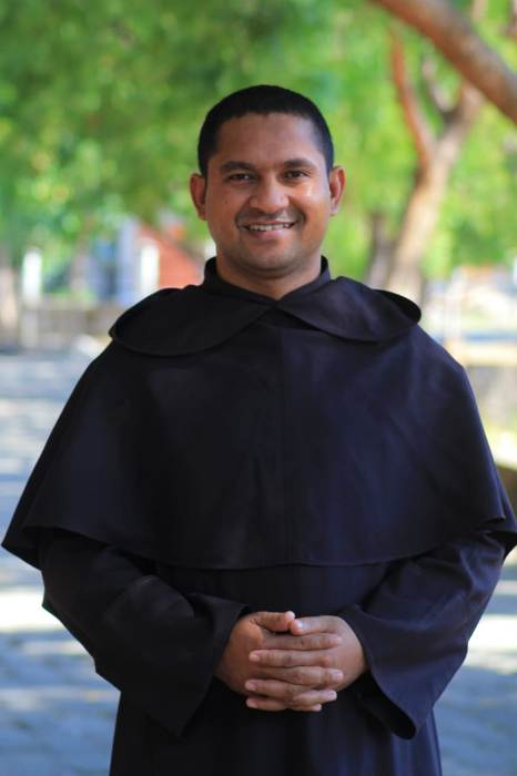 Kepala Sekolah Pastor Benediktus Bani OCarm (Dokumen  SMAK Santa Maria Monte Carmelo)