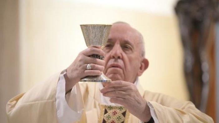 Paus dalam Misa 16 Mei
