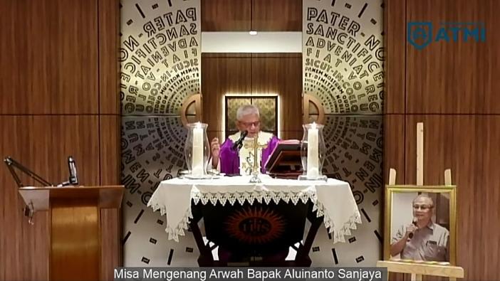 Misa dipimpin Ketua Yayasan Karya ATMI Pastor Bambang Triatmoko SJ