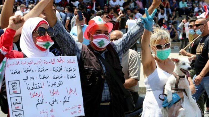 Protes anti pemerintah di Libanon di tengah memburuknya krisis ekonomi