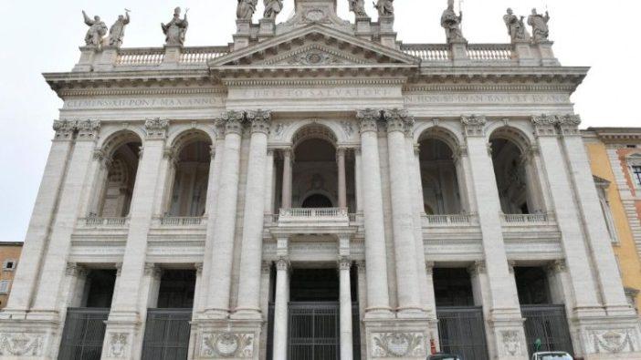 Basilika Santo Yohanes Lateran sebagai katedral dari Paus Fransiskus , Uskup Roma (Vatican Media)