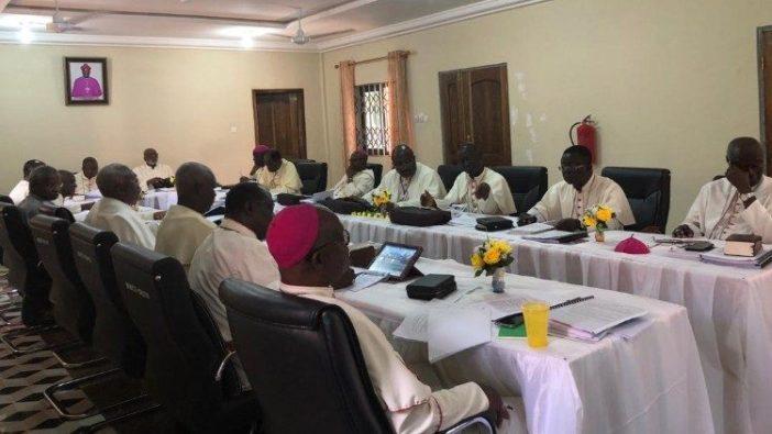 Para uskup Ghana dalam sebuah pertemuan