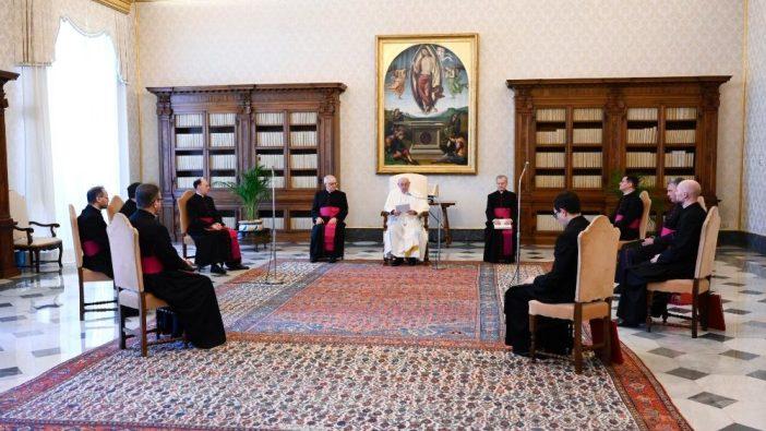 Paus dalam Audiensi Minguan 24 Juni a