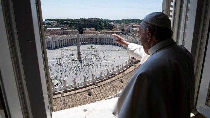 Pope Francis during Angelus (AFP or licensors)