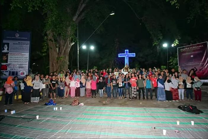 salah satu kegiatan lintas agama di Plaza Persaudaraan