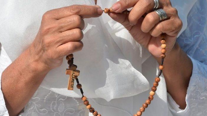 Giliran Rosario Tahunan Sedunia untuk Pengudusan Para Imam (AFP)