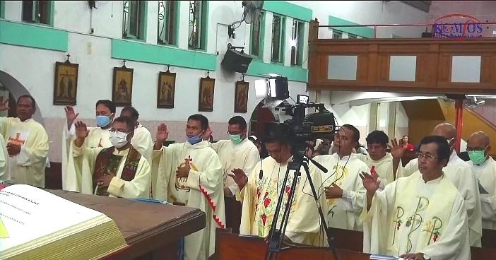 Pengungkapan janji ketaatan para imam Keuskupan Sibolga kepada uskup