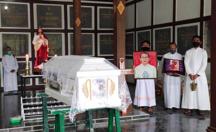 Foto dari Grup FB Umat Katolik Keuskupan Manado