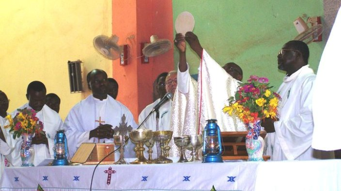 Sebuah perayaan Misa di Burkina Faso yang diambil September 10 tahun lalu/PEN@ Katolik/pcp