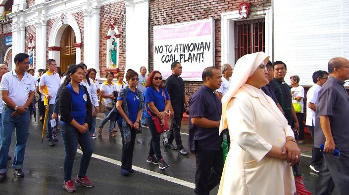 Masyarakat menggelar protes terhadap usulan proyek pembangkit listrik tenaga batu bara di Atimon, Quezon, 1 September 2018. CARITAS FILIPINA