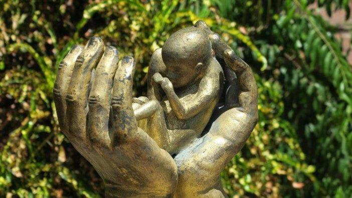 Presiden AS umumkan perintah eksekutif untuk menjaga semua anak lahir hidup, tak peduli situasi kelahirannya