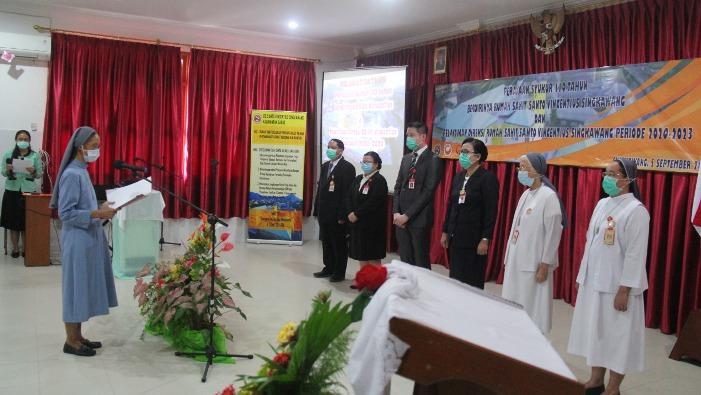 Pelantiokan Direksi Rumah Sakit Santo Vinsensius Singkawang (PEN@ Katolik/samuel)