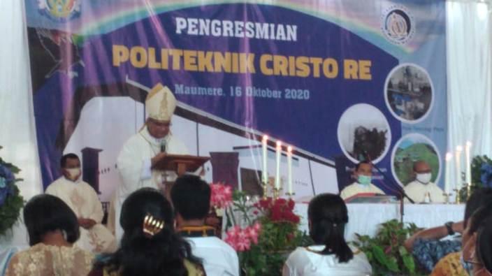 Misa Peresmian Politeknik Christo Re Maumere (PEN@ Katolik/jf)