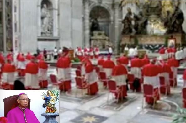 Kardinal Jose Advincula dari Capiz (inset) menonton siaran langsung konsistori di kediamannya di Kota Roxas 28 November. HALAMAN SCREENSHOT / CASAC FACEBOOK