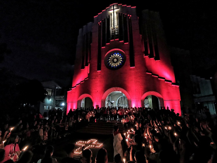 "Gereja Baclaran mengikuti perayaan ""Rabu Merah"" untuk meningkatkan kesadaran akan penderitaan umat Kristen yang dianiaya di seluruh dunia tanggal 27 November 2019. FOTO OLEH ELMARC LIM"