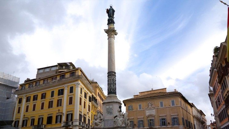 Tiang Maria Dikandung Tanpa Noda di Roma