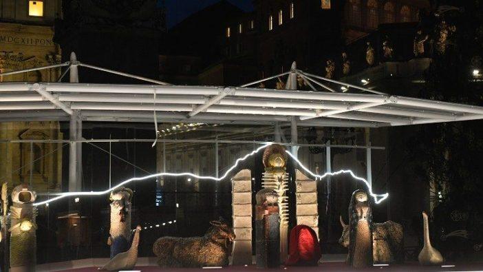 Kandang Natal dari Castelli di Lapangan Santo Petrus