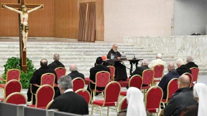 Khotbah disampaikan oleh pengkhotbah Rumah Tangga Kepausan, Kardinal Raniero Cantalamessa, kepada Paus Fransiskus dan rekan-rekan dekatnya, 18 Desember 2020