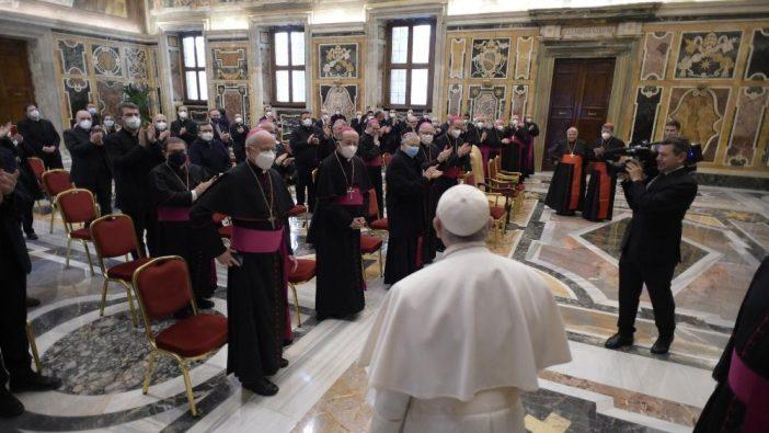 Paus bertemu Kantor Kateketik Nasional Konferensi Waligereja Italia (Vatican Media)