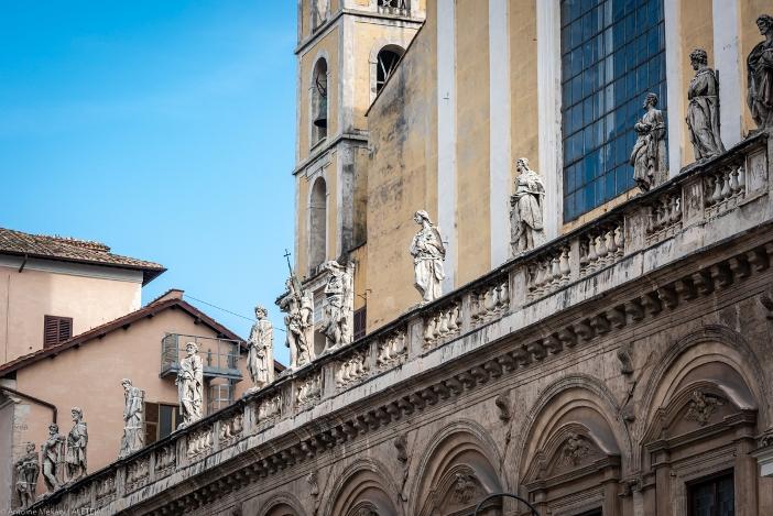 Patung 12 Rasul di Basilika Dua Belas Rasul, di pagar dibagian depan. Basilika Dua Belas Rasul adalah milik Kementerian Dalam Negeri Italia. © Antoine Mekary | ALETEIA