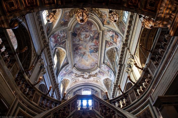 Basilika Dua Belas Rasul, dilihat dari ruang bawah tanah. Basilika Dua Belas Rasul adalah milik Kementerian Dalam Negeri Italia. © Antoine Mekary | ALETEIA