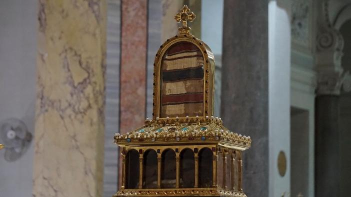 Relikui Jubah Suci Santo Yosef  © Serve del Signore e della Vergine di Matarà