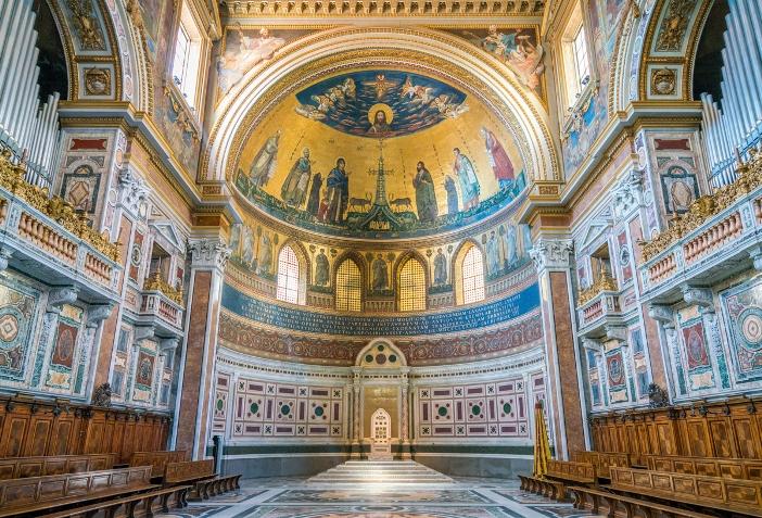 Apse Basilika Santo Yohanes Lateran © Stefano_Valeri | Shutterstock