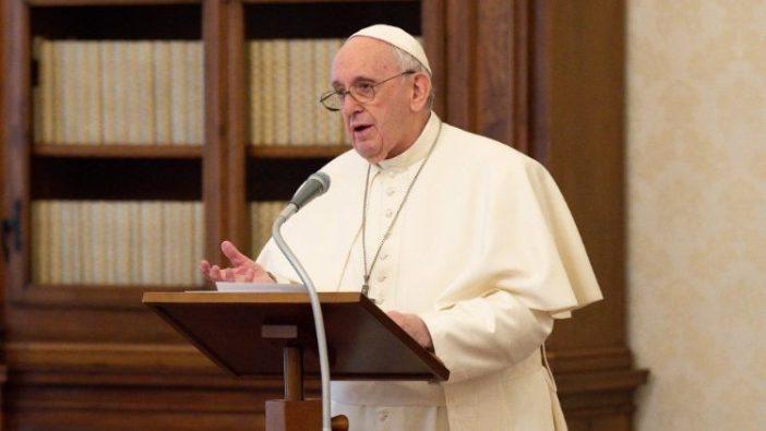 Paus dalam Angelus (ANSA)