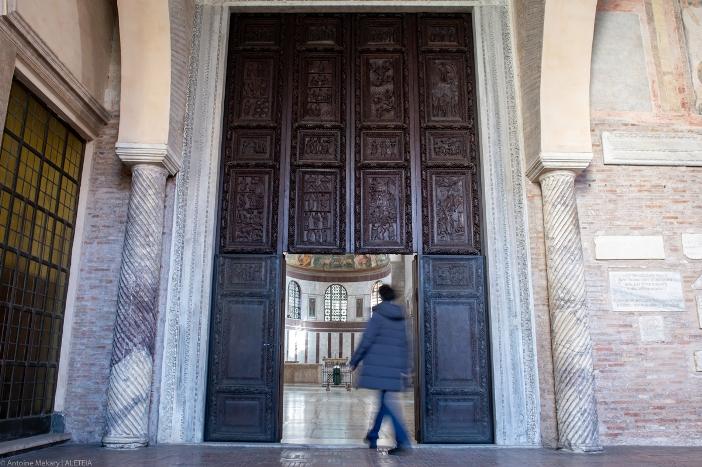 Basilica Santa Sabina: pintu masuk utama. © Antoine Mekary | ALETEIA