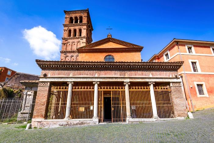 Basilika San Giorgio in Velabro (exterior) © cge2010   Shutterstock