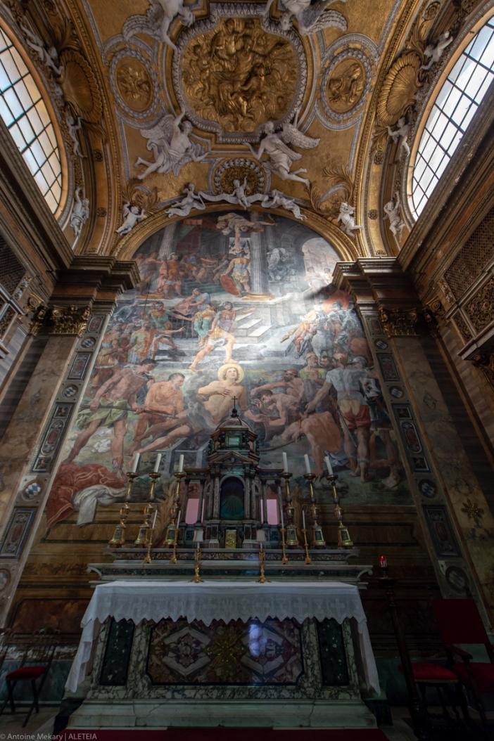Apse dan lukisan dinding yang menggambarkan kemartiran Santo Laurensius (San Lorenzo), di Gereja Santo Laurensius di Panisperna. Gereja Santo Laurensius di Panisperna adalah milik Kementerian Dalam Negeri Italia. © Antoine Mekary | ALETEIA
