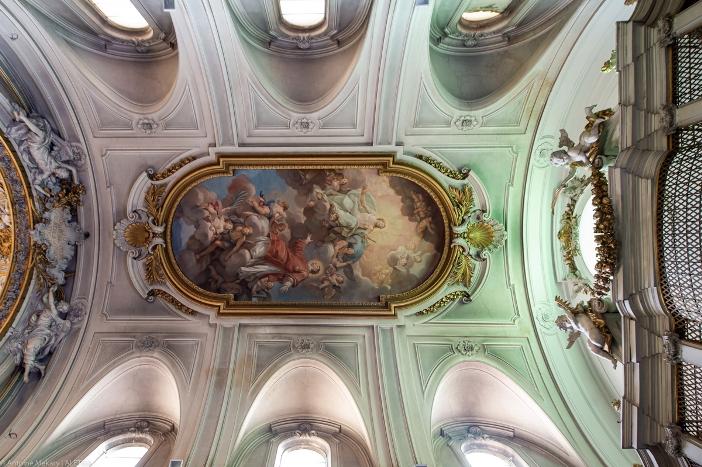 Kubah dan lukisan dinding yang menggambarkan kemuliaan Santo Laurensius, di Gereja Santo Laurensius di Panisperna. Gereja Santo Laurensius di Panisperna adalah milik Kementerian Dalam Negeri Italia. © Antoine Mekary | ALETEIA