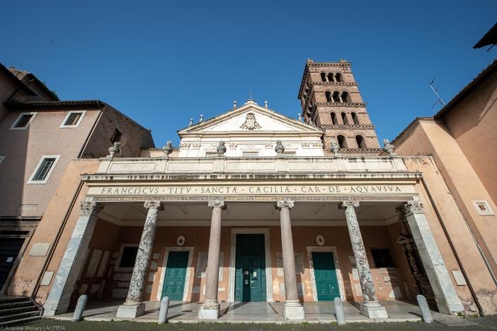 Basilika Santa Cecilia di Trastevere (bagian depan) © Antoine Mekary | ALETEIA