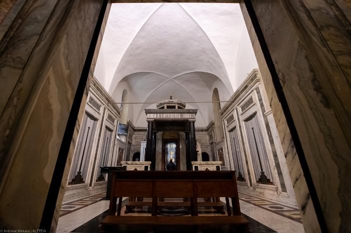 Basilika Salib Suci di Yerusalem Kapal Relikui). Basilika Salib Suci di Yerusalem adalah miliki Kementerian Dalam Negeri Italia. © Antoine Mekary | ALETEIA