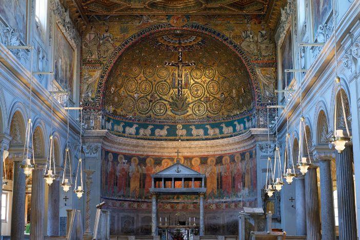 Basilika Santo Klemens (apse) © MATTES RENE / HEMIS.FR | Hemis melalui AFP