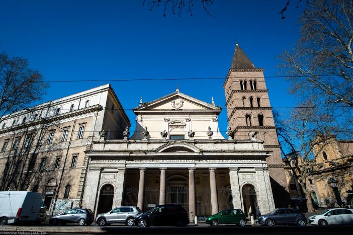 Basilika Santo Krisogonus di Trastevere (eksterior). Basilika Santo Krisogonus di Trastevere adalah milik Properti Dana Bangunan Ibadah dari Kementerian Dalam Negeri Italia © Antoine Mekary   ALETEIA
