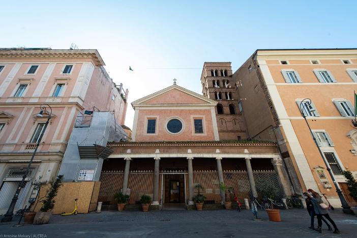 Basilika Santo Laurensius di Lucina (halaman depan). Basilika Santo Laurensius di Lucina adalah milik Kementerian Dalam Negeri Italia. © Antoine Mekary | ALETEIA