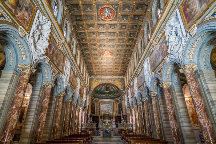 Basilika Santo Markus Penginjil di Campidoglio. Paulus IV, seorang Venesia, yang memberikan bentuknya basilika itu saat ini. © Stefano_Valeri | Shutterstock