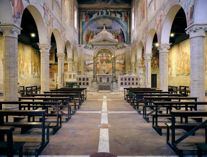 Basilika Santo Nereus dan Santo Akhilleus (interior) © Polvo2020   Shutterstock