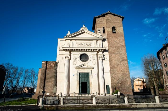 Basilika Santo Nikolas di Carcere (eksterior). Ini adalah salah satu diakonia tertua di Roma, yang sudah ada pada abad ke-6. © Antoine Mekary | ALETEIA
