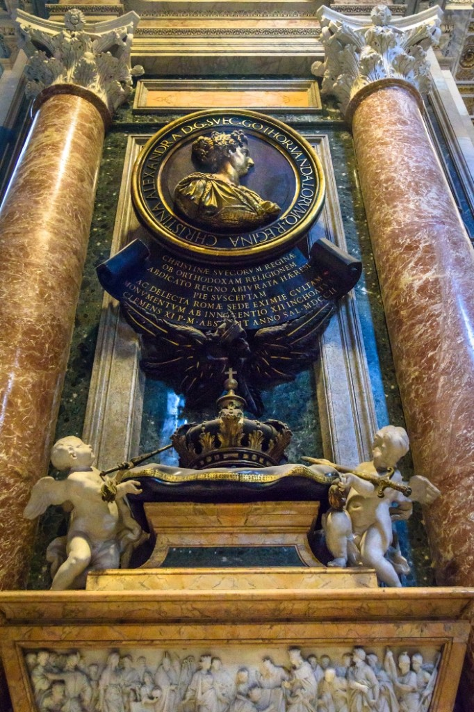 Basilika Santo Petrus. Makam Ratu Christina dari Swedia. © Elena Odareeva | Shutterstock