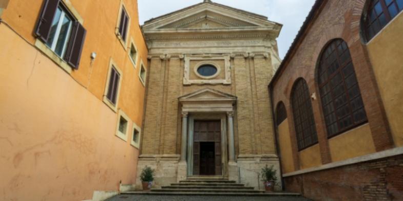 Gereja Santa Prisca Massimo Salesi I Shutterstock