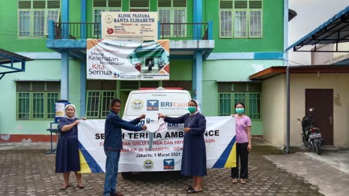 Bantuan mobil ambulance diterima di Klinik Pratama Elisabeth Bengkayang