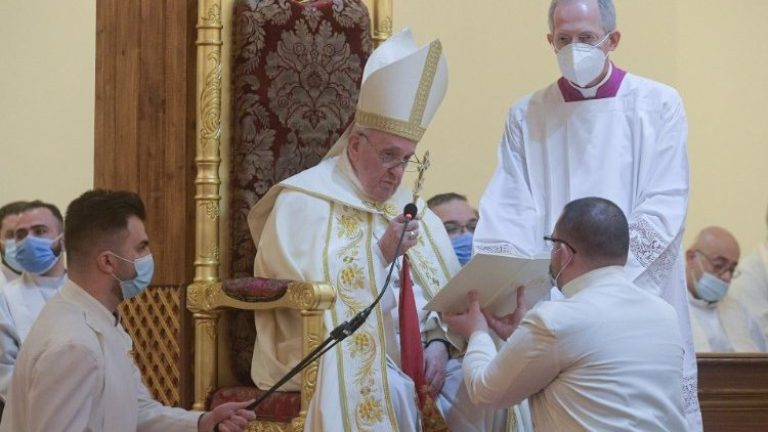 Paus Fransiskus dalam Liturgi Ilahi (Vatican Media)