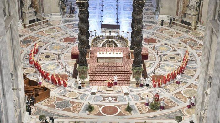 Misa Minggu Palma di Basilika Santo Petrus 3