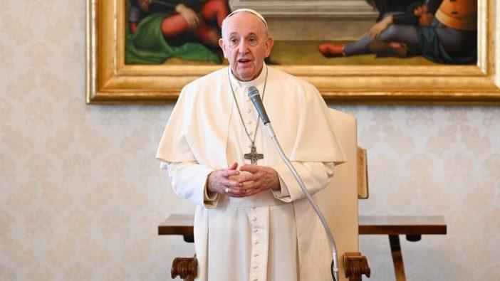 Paus Fransiskus dalam audiensi 3 Maret di Perpustakaan Apostolik