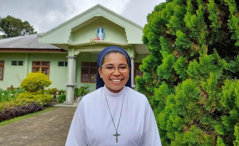Suster Herlina Hadia  SSpS (Koordinator Komisi Komunikasi SSpS Flores Barat)