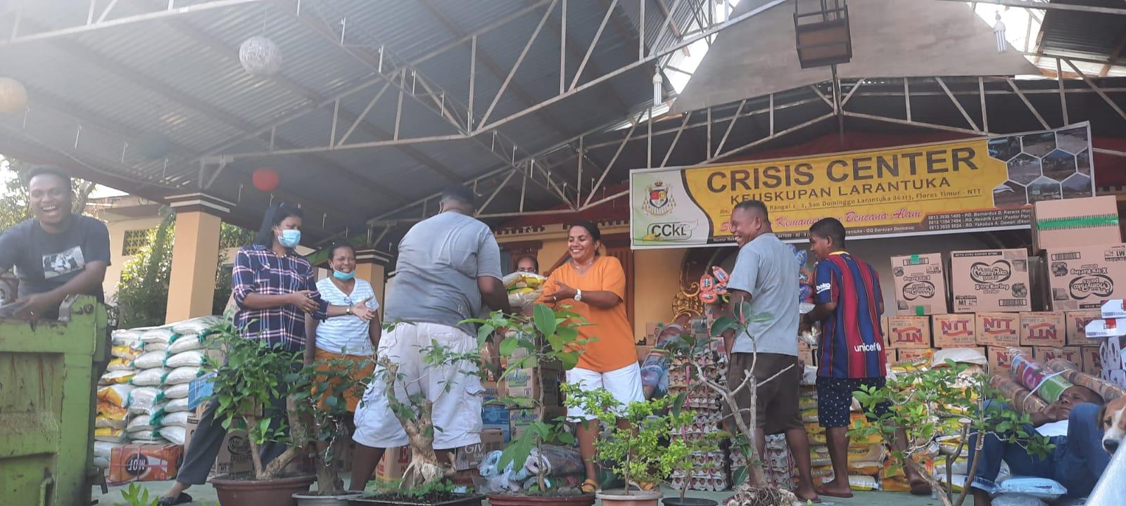 Penyaluran bantuan Caritas dari Larantuka ke Atambua dan Lembata (Foto Caritas Indonesia)